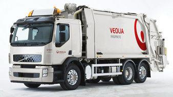 Camions-volvo-hybrides-pour-veolia-proprete